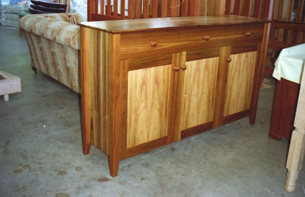 Shaker Sideboard DIY Furniture Plans& Technical Puzzles