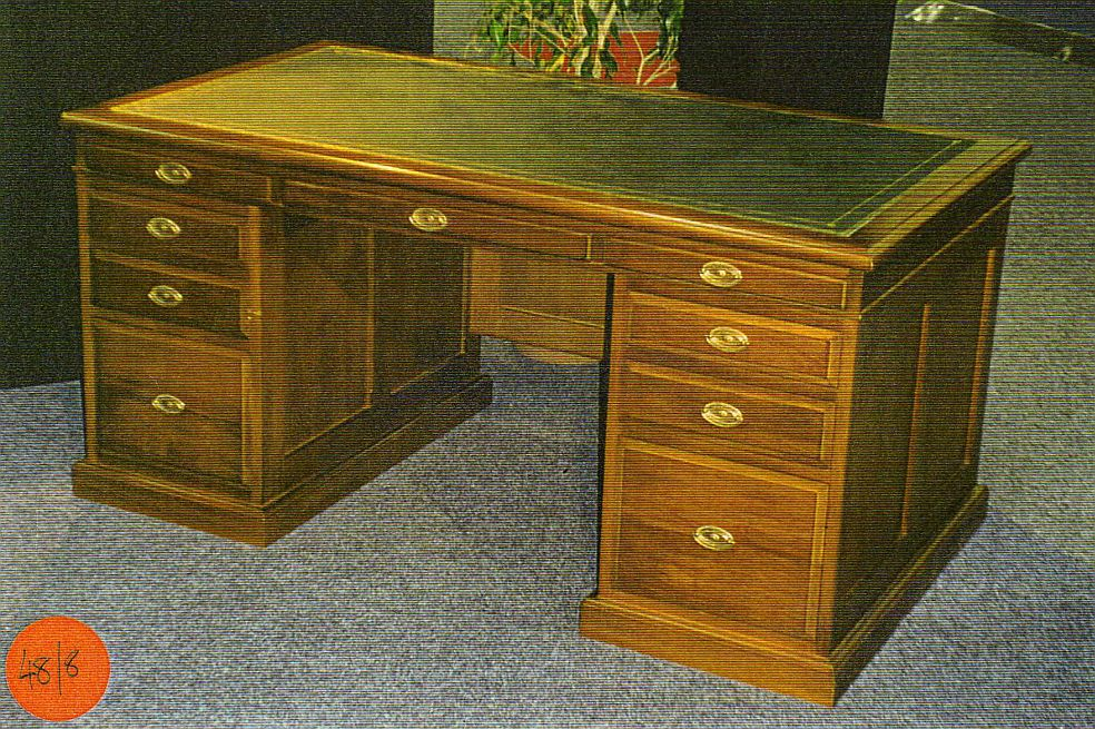 9drawer Leather Top Desk